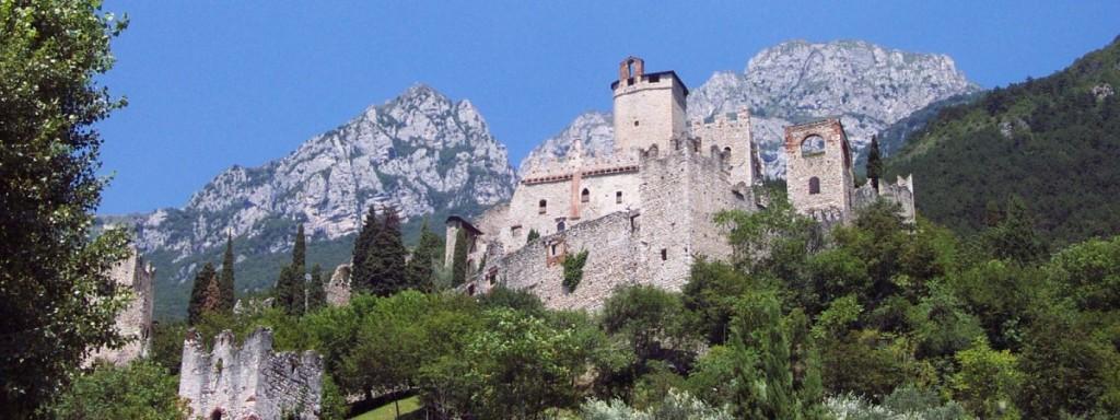 Castello di avio orari trento 2018 for Orari negozi trento