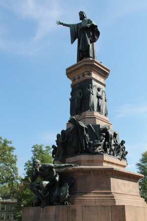 Monumento a dante trento 2018 for Trento informazioni turistiche